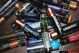 Toxicity of waste batteries